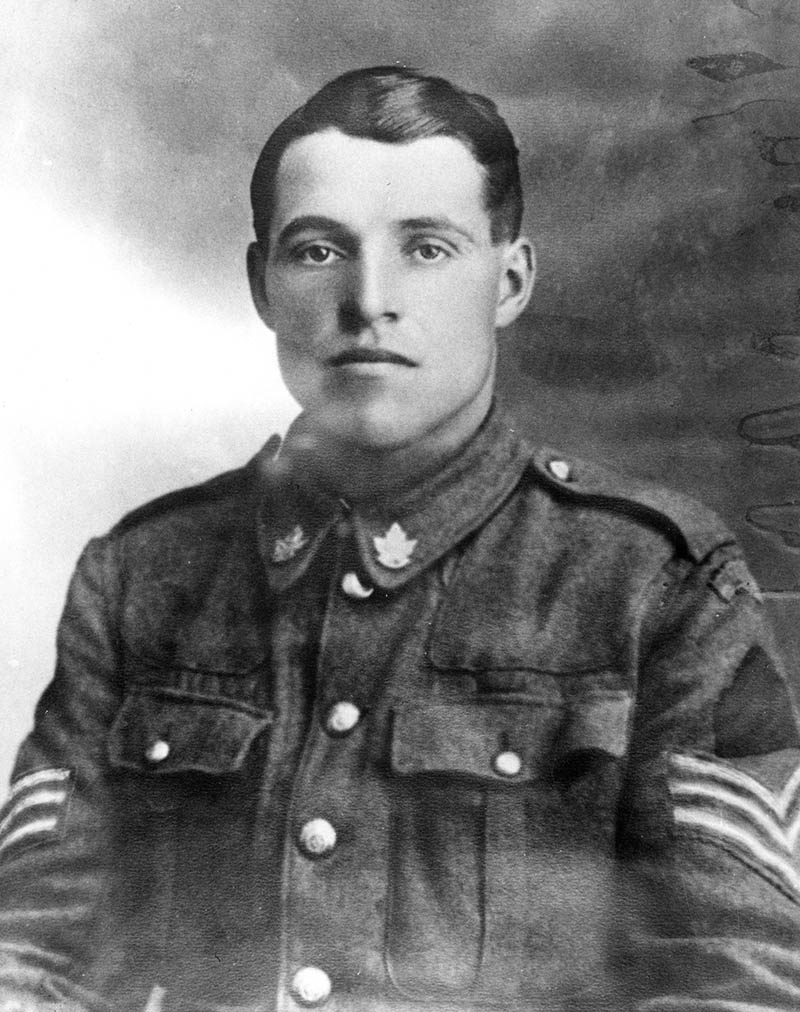 Hugh Cairns in In WWI army uniform
